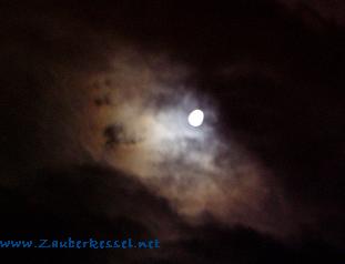 Mond_Prag